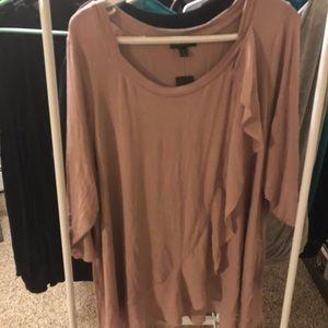 Ultra cute super feminine 3/4  sleeve top